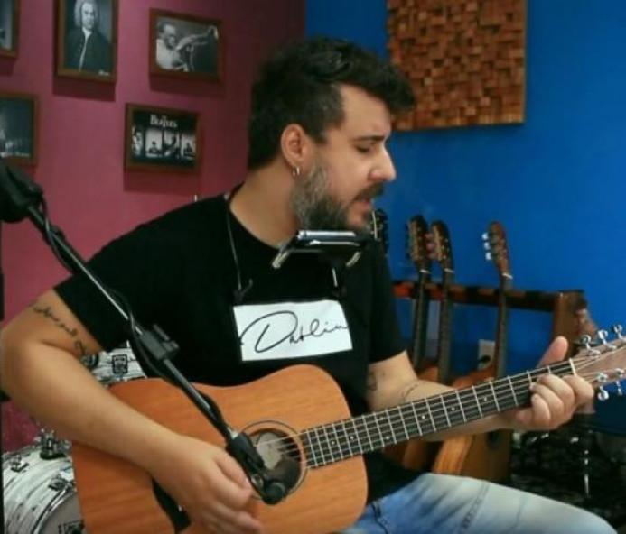 Vítima de coronavírus, músico gaúcho morre aos 34 anos em Santa Catarina