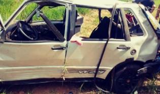 Capotamento de veículo mata jovem e deixa 4 feridos na Agrovila 2