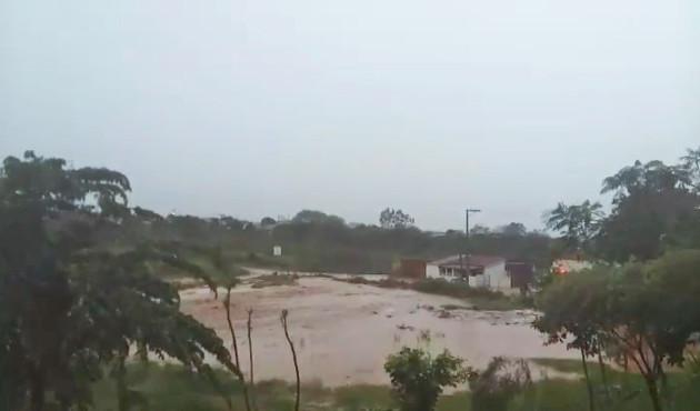 Chuva causa estragos em Presidente Venceslau