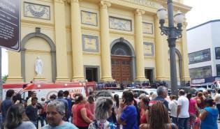Homem mata quatro pessoas na Catedral de Campinas e se suicida