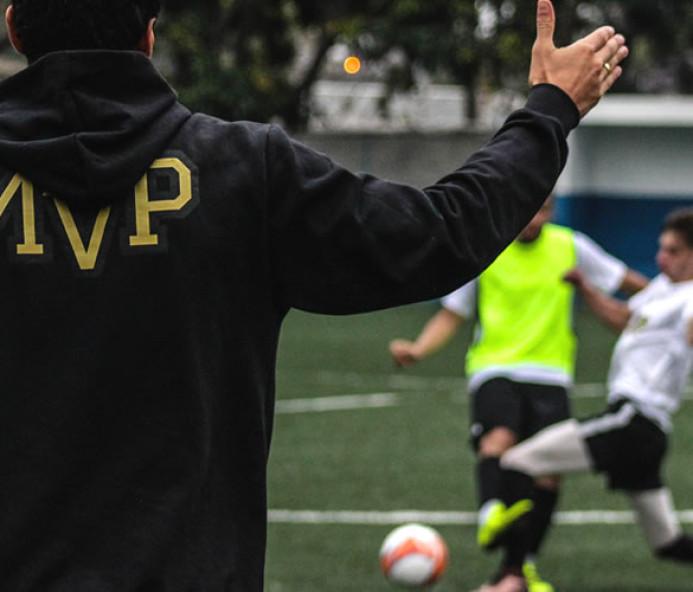 Seletiva de futebol na região oferece oportunidade para atletas jogarem e estudarem nos EUA