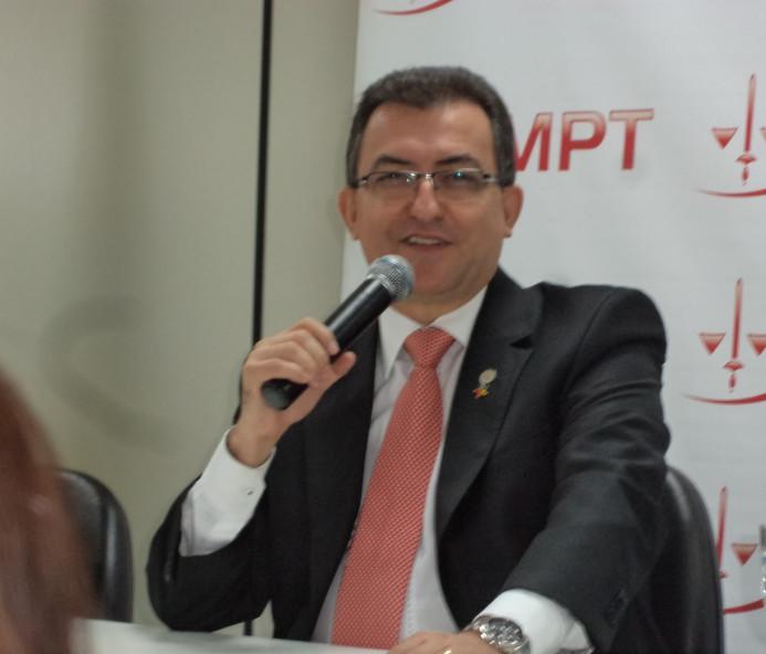 OAB de Venceslau promove palestra com José Roberto Dantas Oliva