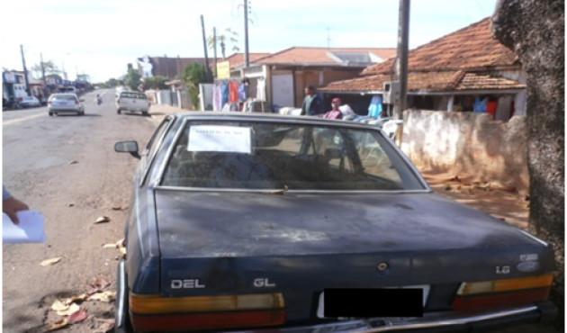 Prefeitura notifica proprietário de veículo abandonado na João Pessoa
