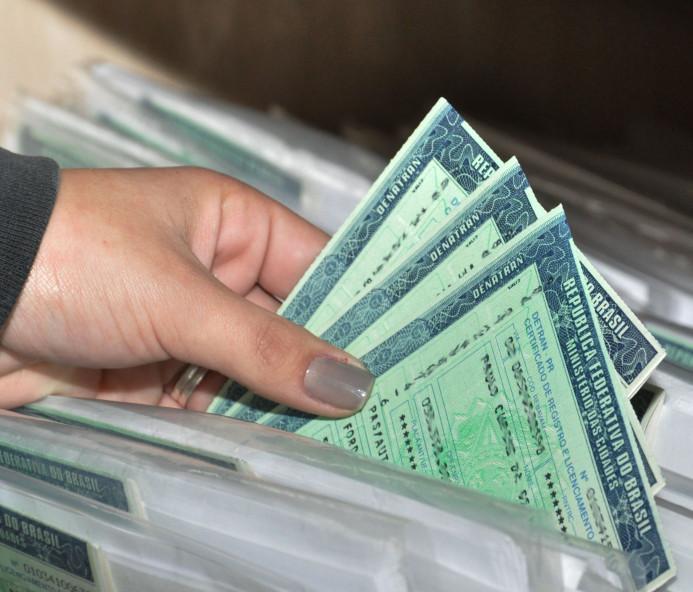 Licenciamento: placas com final 3 devem ser regularizadas em junho
