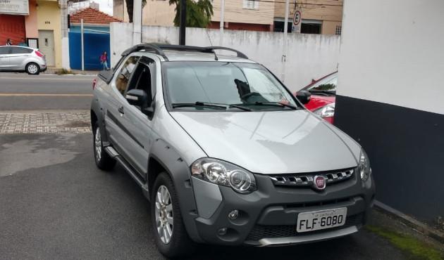 Veículo usado pelos envolvidos na morte de Nilson Carreira é apreendido