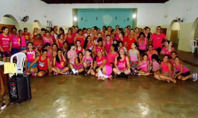 Grupo Ritmo das Meninas celebra Outubro Rosa com dança em Marabá Paulista