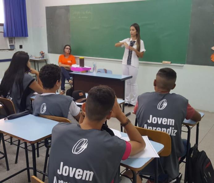 Jovens aprendizes do ICAE de Venceslau recebem curso de prevenção e orientação bucal