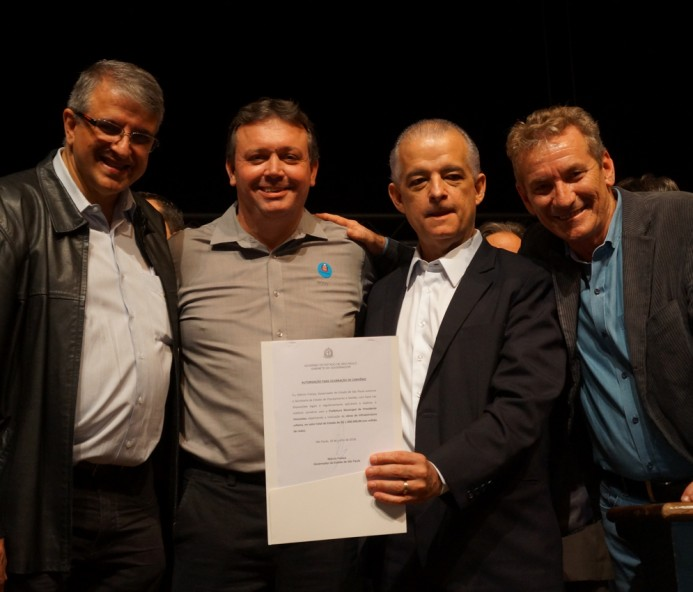 Jorge Duran assina convênio de R$ 1 milhão para recapeamento asfáltico