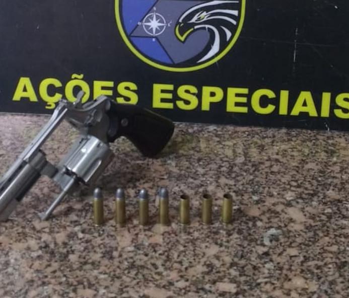 Revólver e munições são apreendidos pelo Baep em Presidente Venceslau