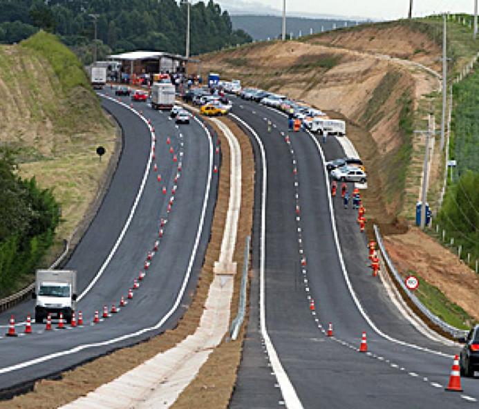 Rodovia Raposo Tavares sofre alteração no trânsito por conta de obras