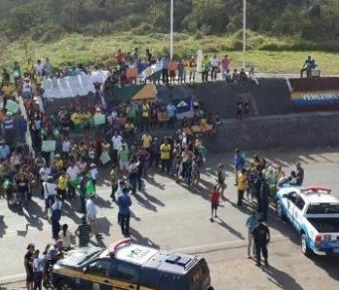 Exército diz que 1,2 mil venezuelanos saíram do Brasil após violência