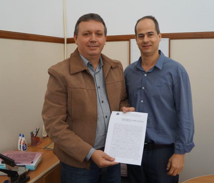 Duran assina permissão de uso do ginásio de esportes por mais 20 anos