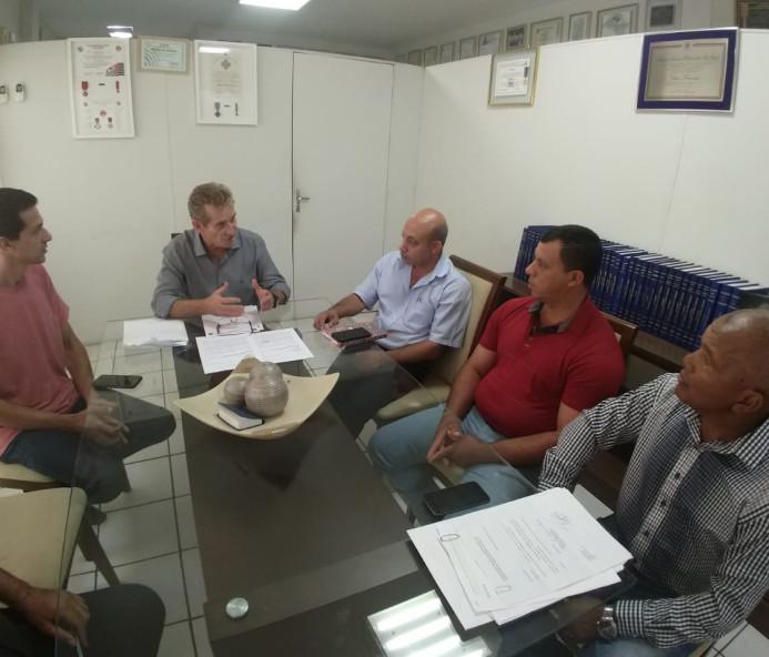 Agricultores Familiares de Marabá Paulista são recebidos pelo deputado Ed Thomas