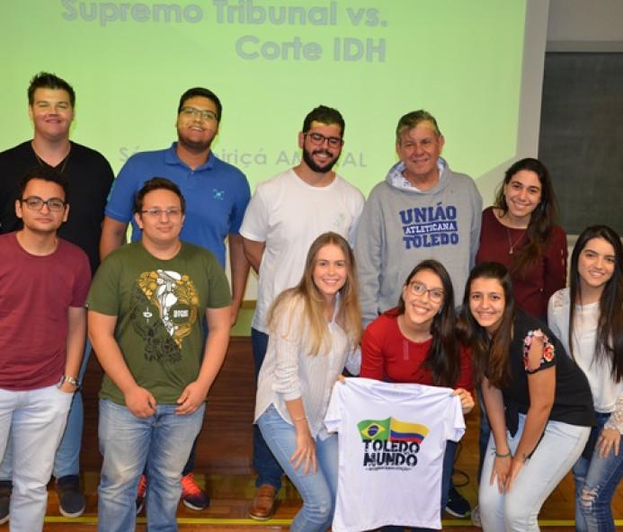 Universitários de Presidente Prudente participam de competição jurídica na Colômbia
