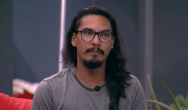 Desclassificado do 'BBB 19, Vanderson fala sobre acusações