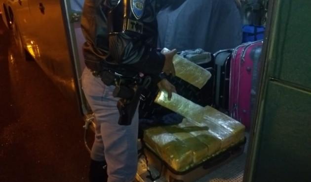 Homem de 19 anos é preso com 28 tabletes de maconha em Presidente Venceslau