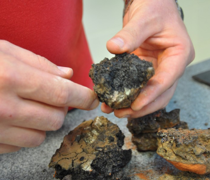 Resíduo de asfalto inserido na preparação de argamassa é tema  de pesquisa científica em Prudente