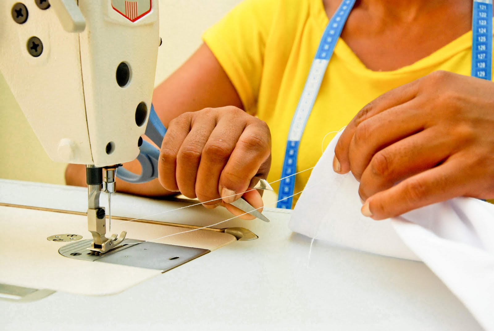 Curso de corte e costura pelo sebrae